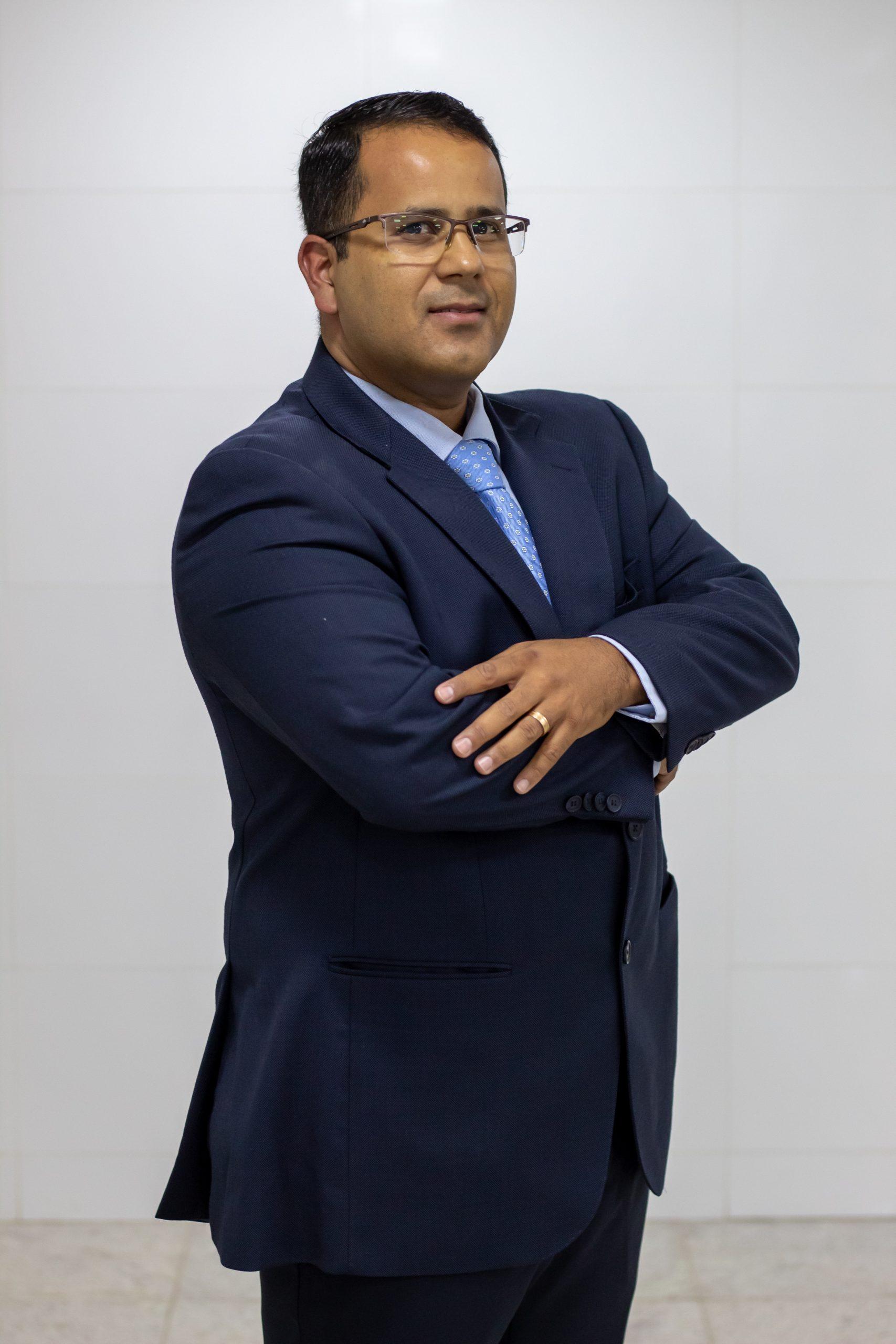 Prof. Esp. Eduardo da Silva Sena